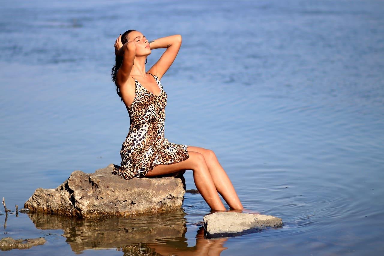 La robe léopard pour l'été